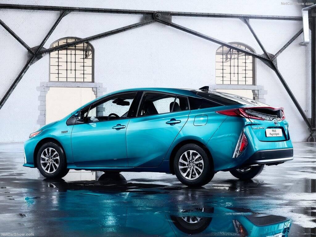 Toyota-Prius_Plug-in_Hybrid-2017-1024-3e
