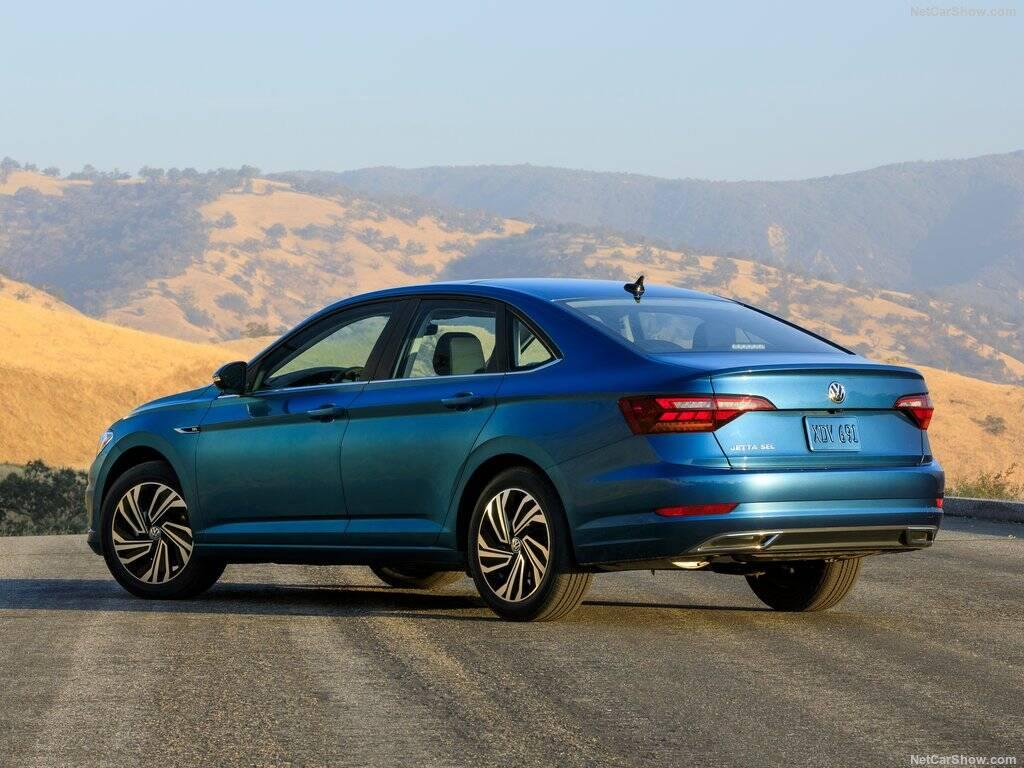 Volkswagen-Jetta-tras