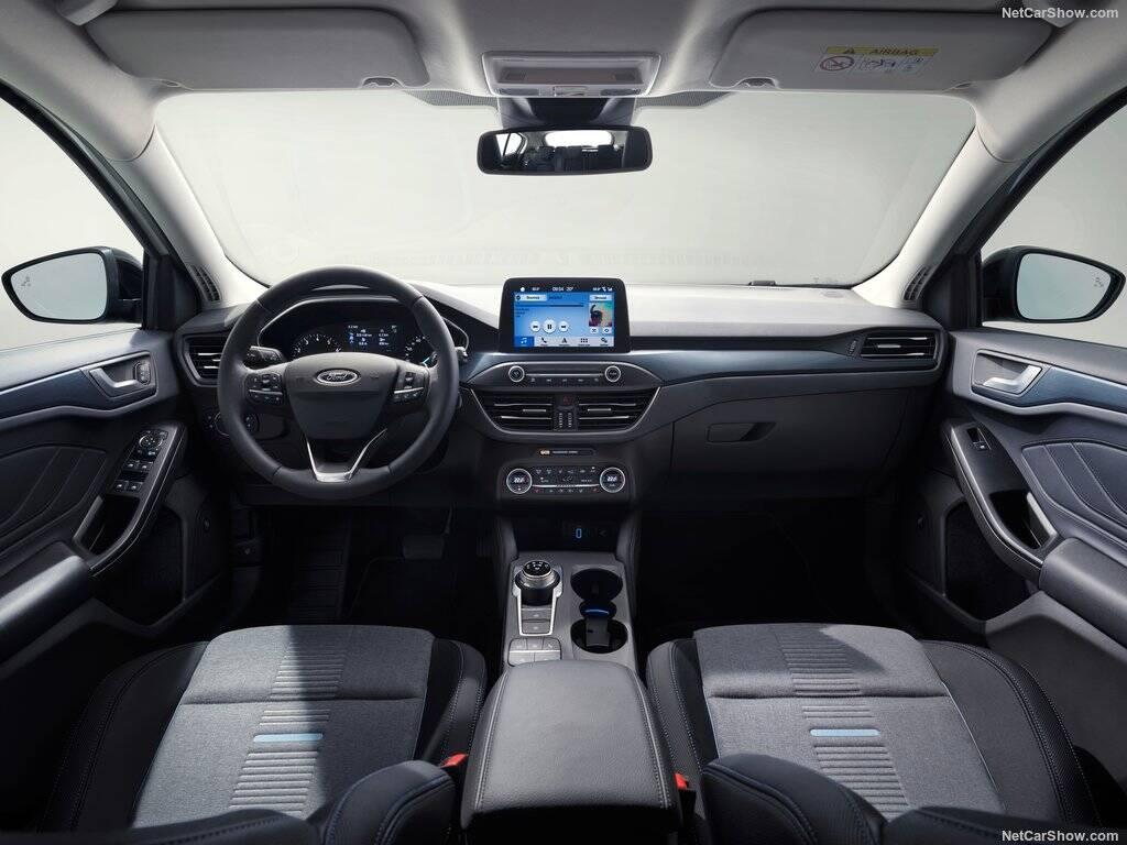 Ford-Focus_interior