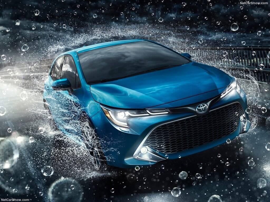 Toyota-Corolla_Hatchback-2019-1024-08