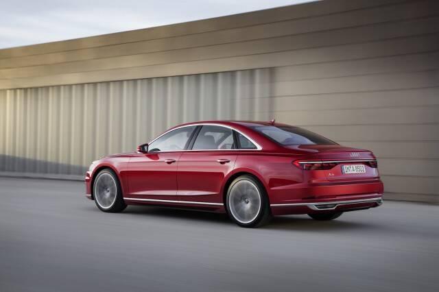 Audi_A8_tras