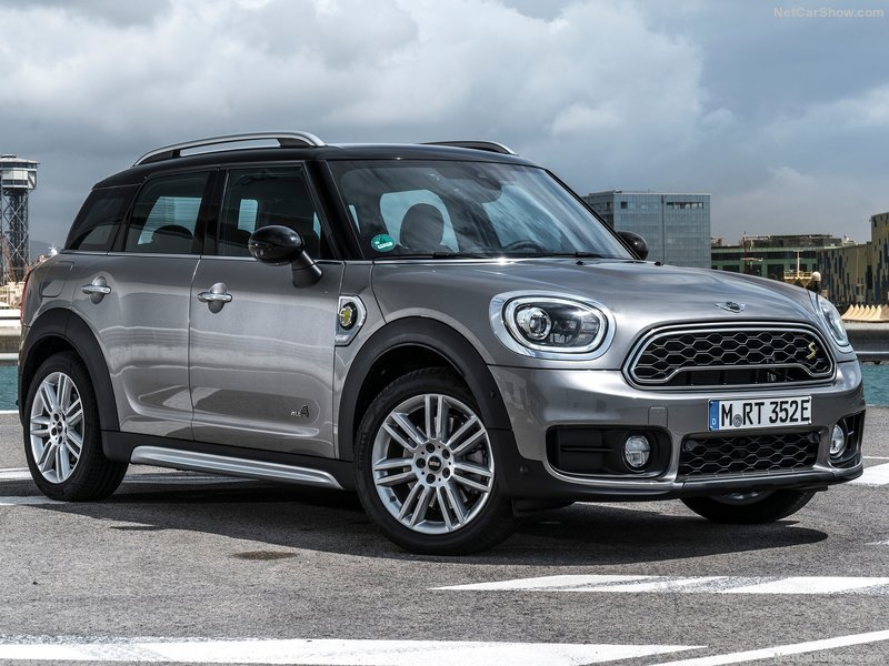 Mini-Countryman_Plug-in_Hybrid-2017-800-03