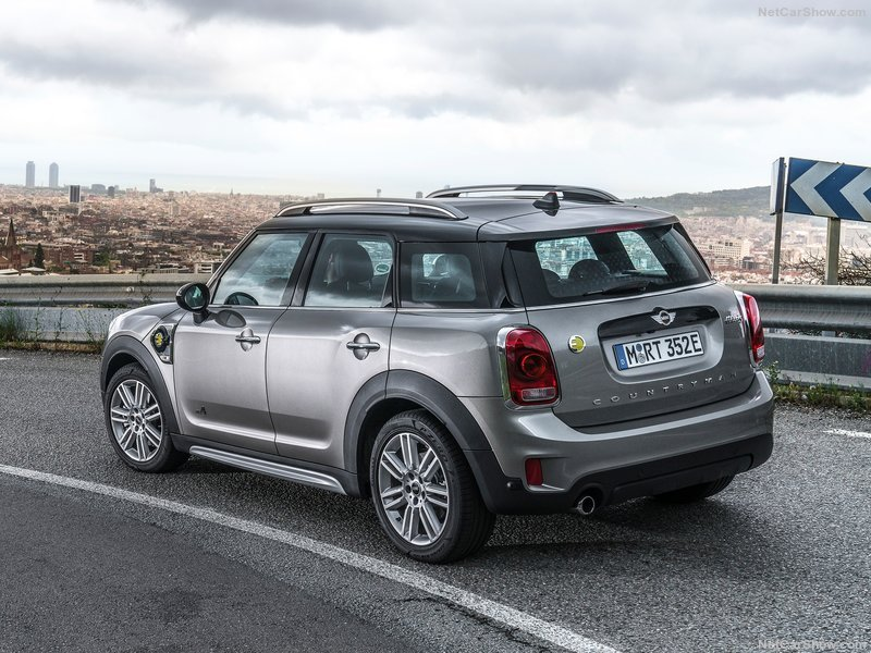 Mini-Countryman_Plug-in_Hybrid-2017-800-69