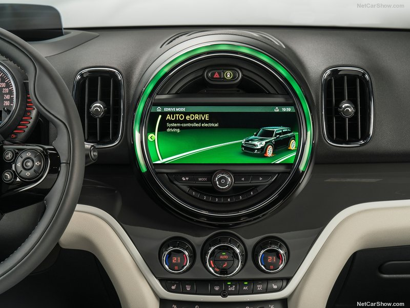 Mini-Countryman_Plug-in_Hybrid-2017-800-92